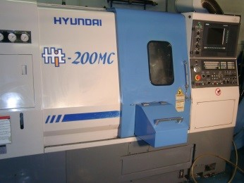 """Soustruh Hyundai 200MC, hnané nástroje, 10"""" hlava, průchod vřetenem 80 mm"""