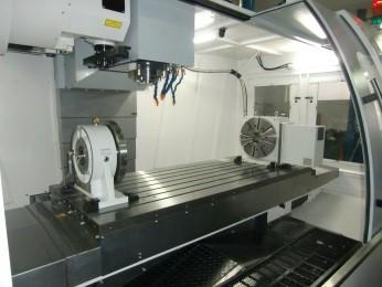 Frézovací centrum CV 2000
